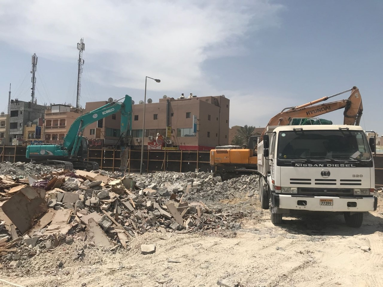 Amlak - Isa Town Shop Demolition & Hoarding Works 24 nos