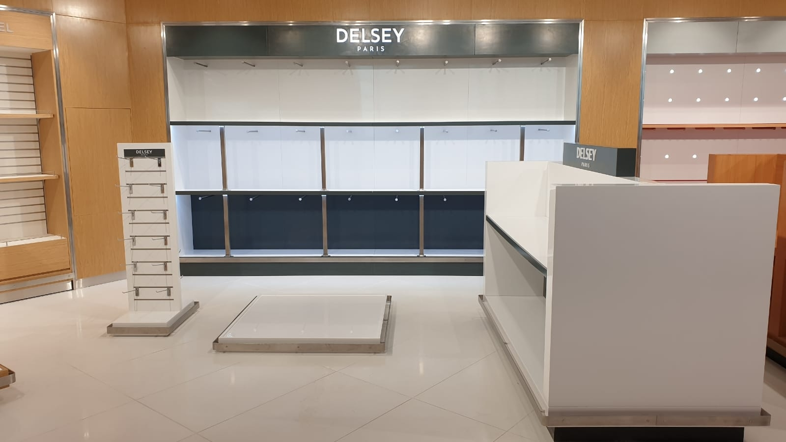 Delsey - Joinery & Installation