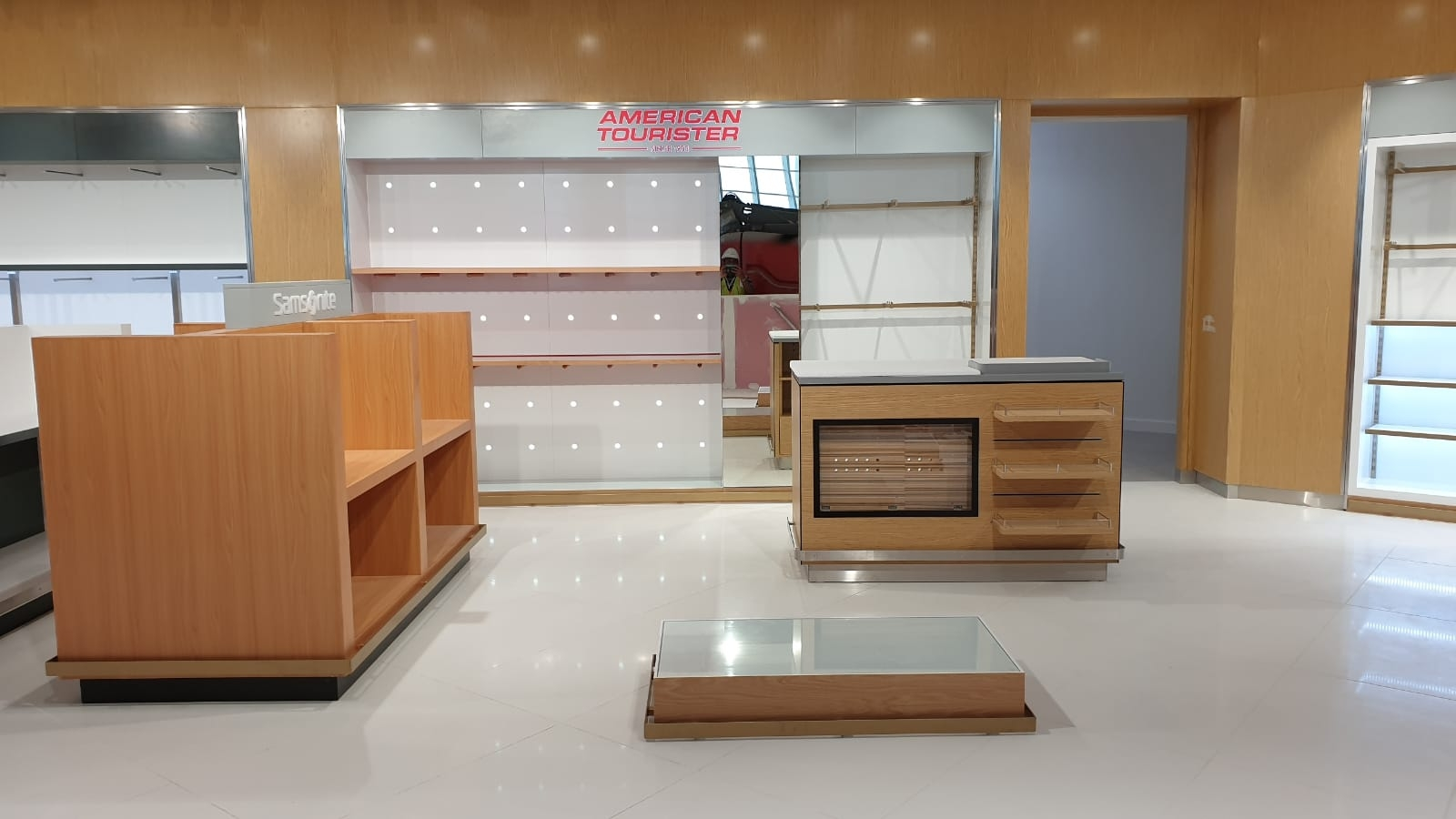 American Tourister - Joinery & Installation